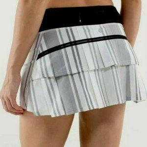 NEW Lululemon Pace Setter Skirt Groovy Stripe sz 6